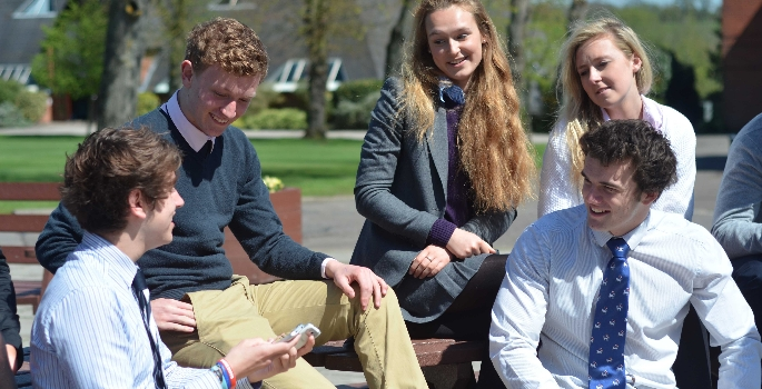 the-framlingham-college-sixth-form-piazza-1479723882
